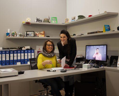 Le Dott.sse Barbara Mencaroni (a sinistra) e Claudia Sartori al Centro Exaudio di Sanfruttuoso